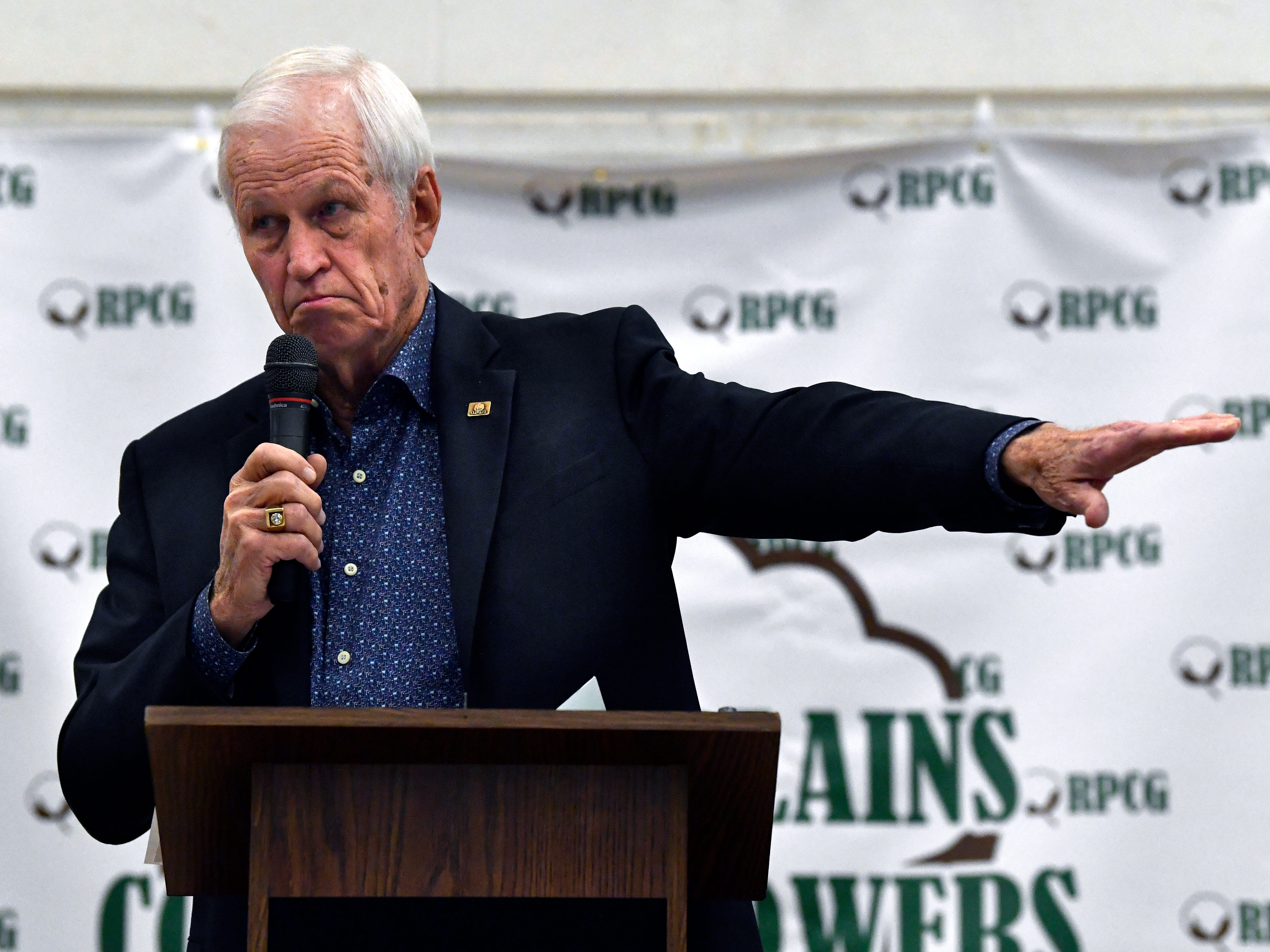 Former 17th District congressman Charles Stenholm speaks during the Rolling Plains Cotton Growers luncheon Tuesday Feb. 19, 2019 at the Taylor County Expo Center.