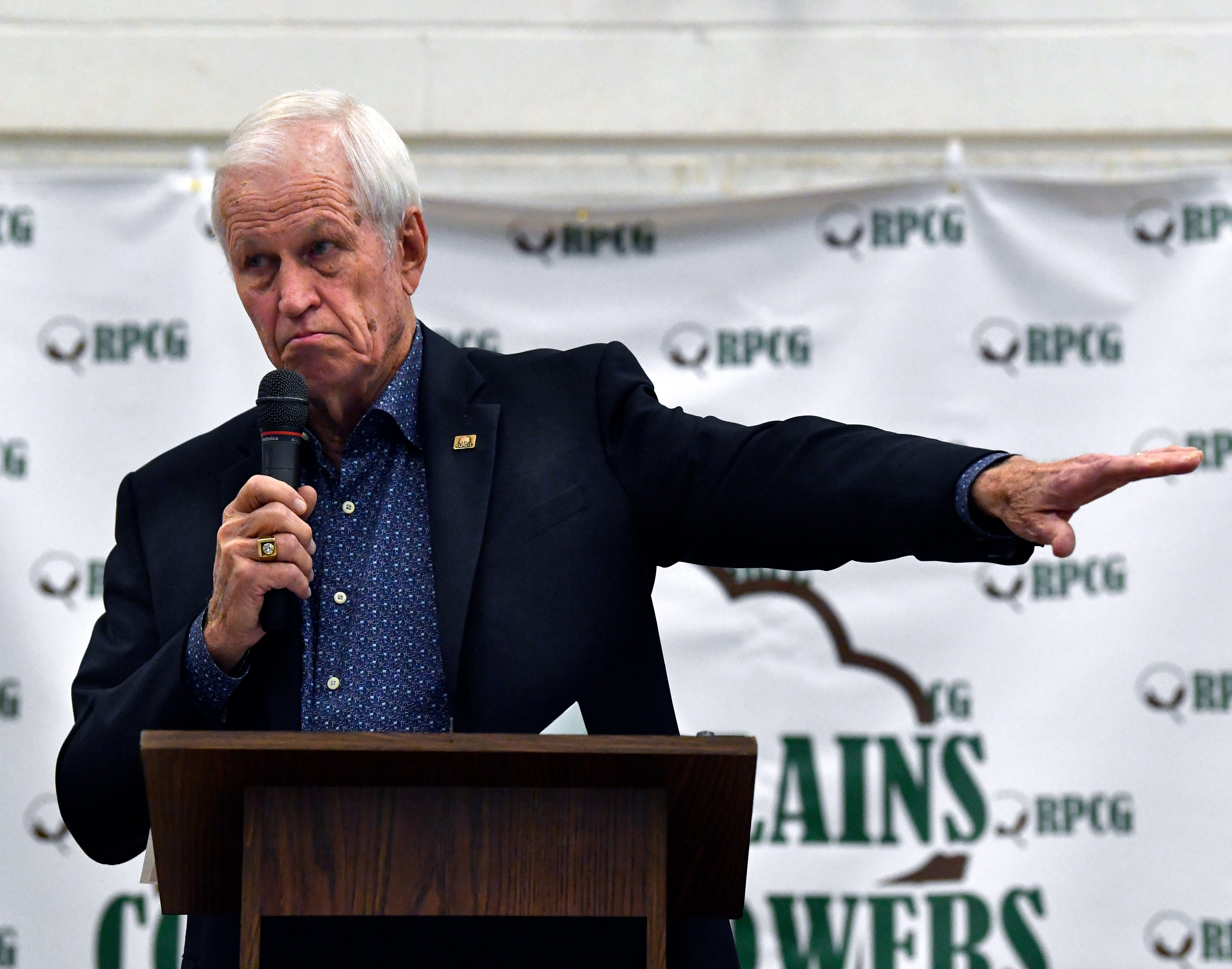 Former 17th Congressional District representative Charlie Stenholm speaks during the Rolling Plains Cotton Growers luncheon Tuesday at the Taylor County Expo Center.