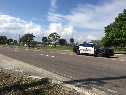 Melbourne police were searching for suspected car thieves along Wickham Road.