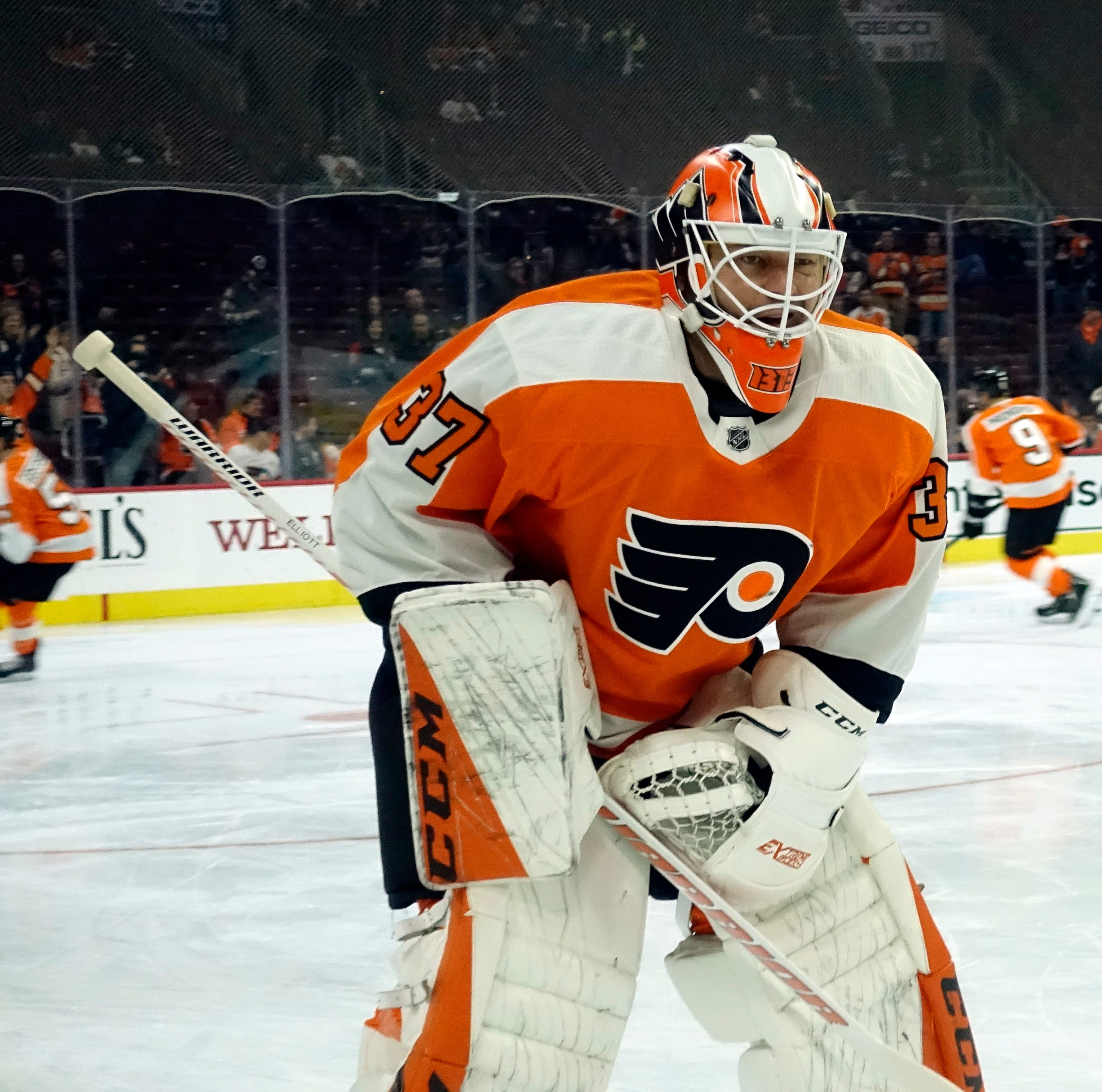 Flyers have calls to make as crease crowds with Brian Elliott's return