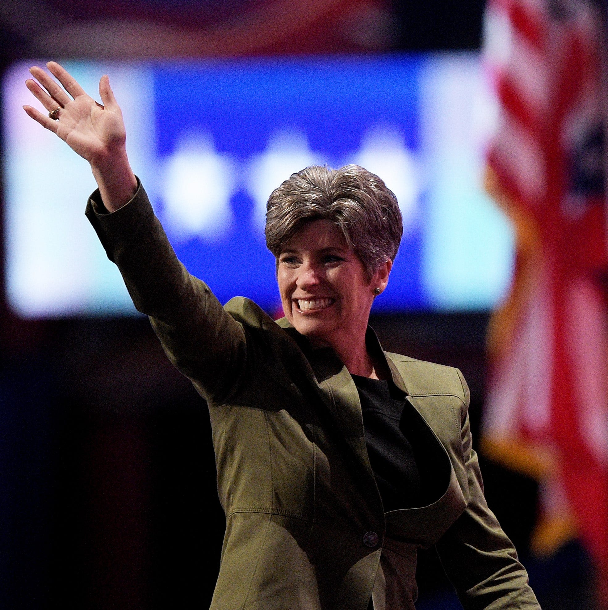 Iowa Poll: Joni Ernst's approval rating hits new high as she readies for 2020 re-election bid