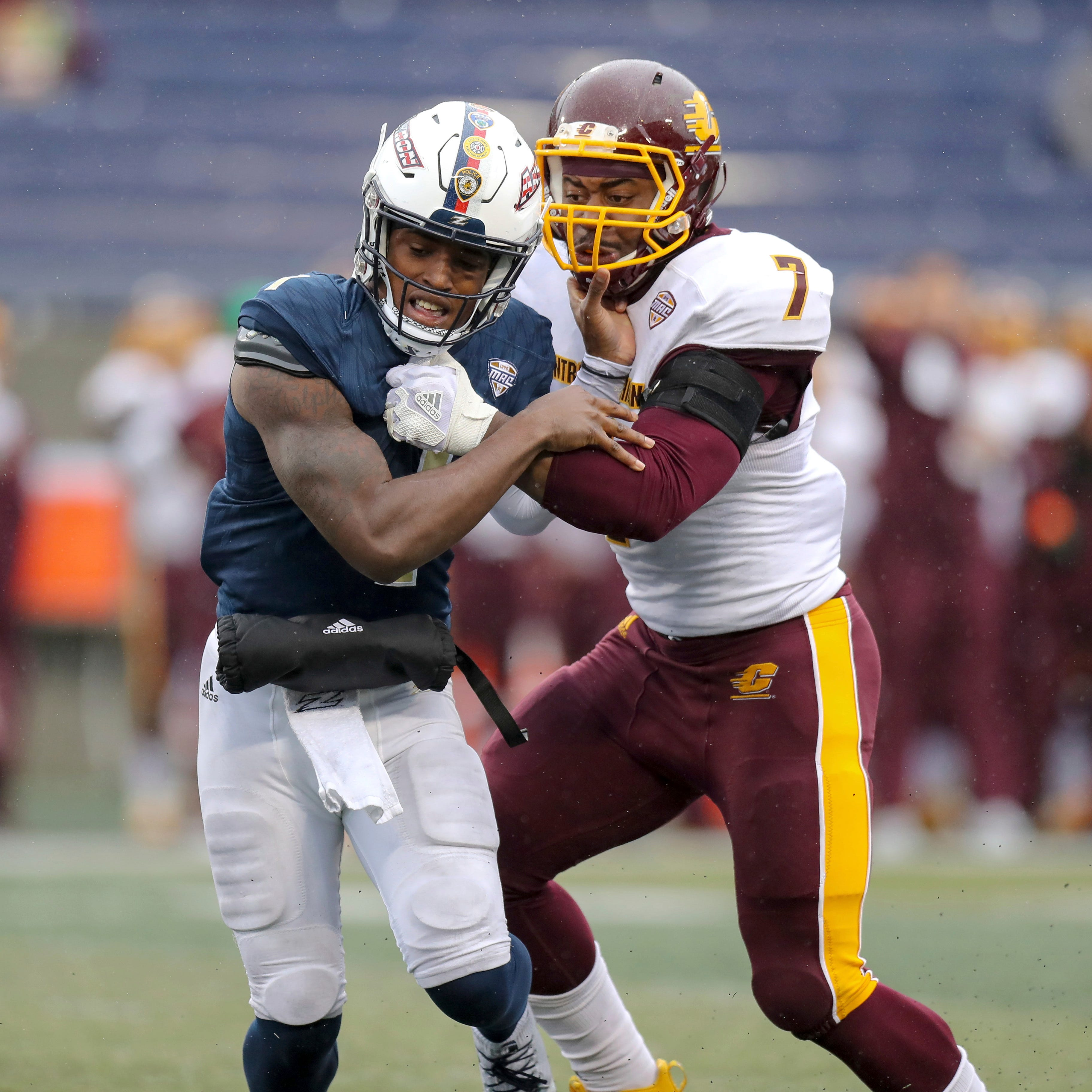 Michigan adds ex-Central Michigan defensive end Mike Danna as graduate transfer