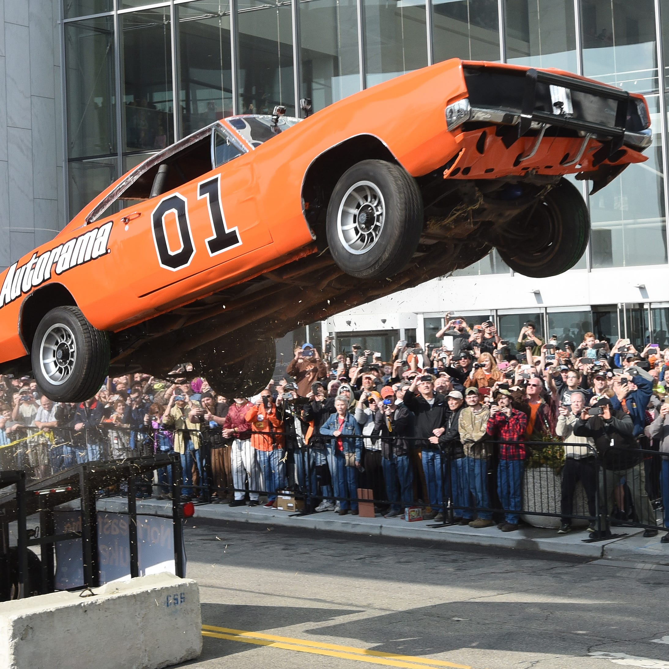 Detroit council grounds Autorama jump due to Confederate flags