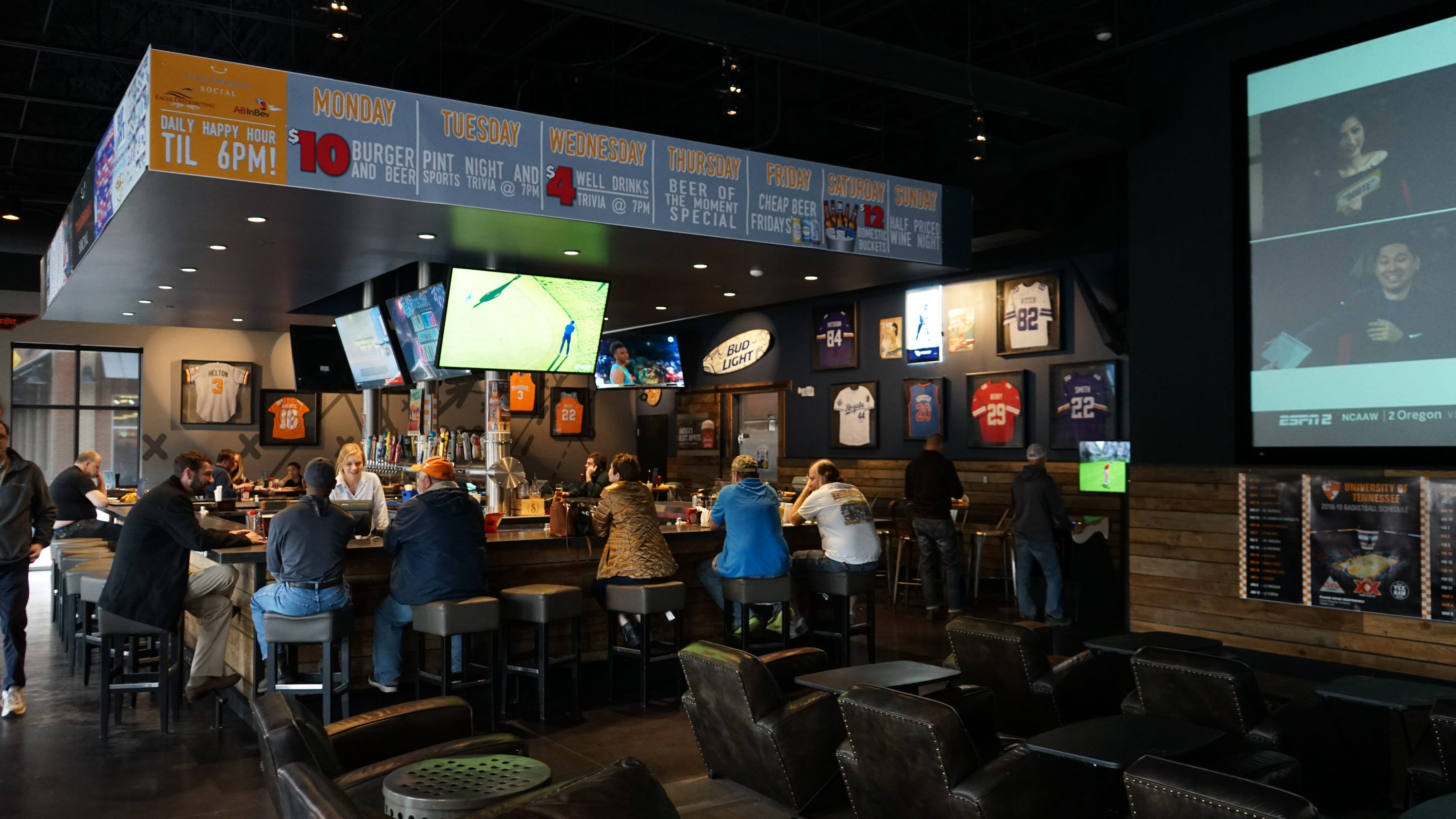 5 great Knoxville-area sports bars where the food is a home run