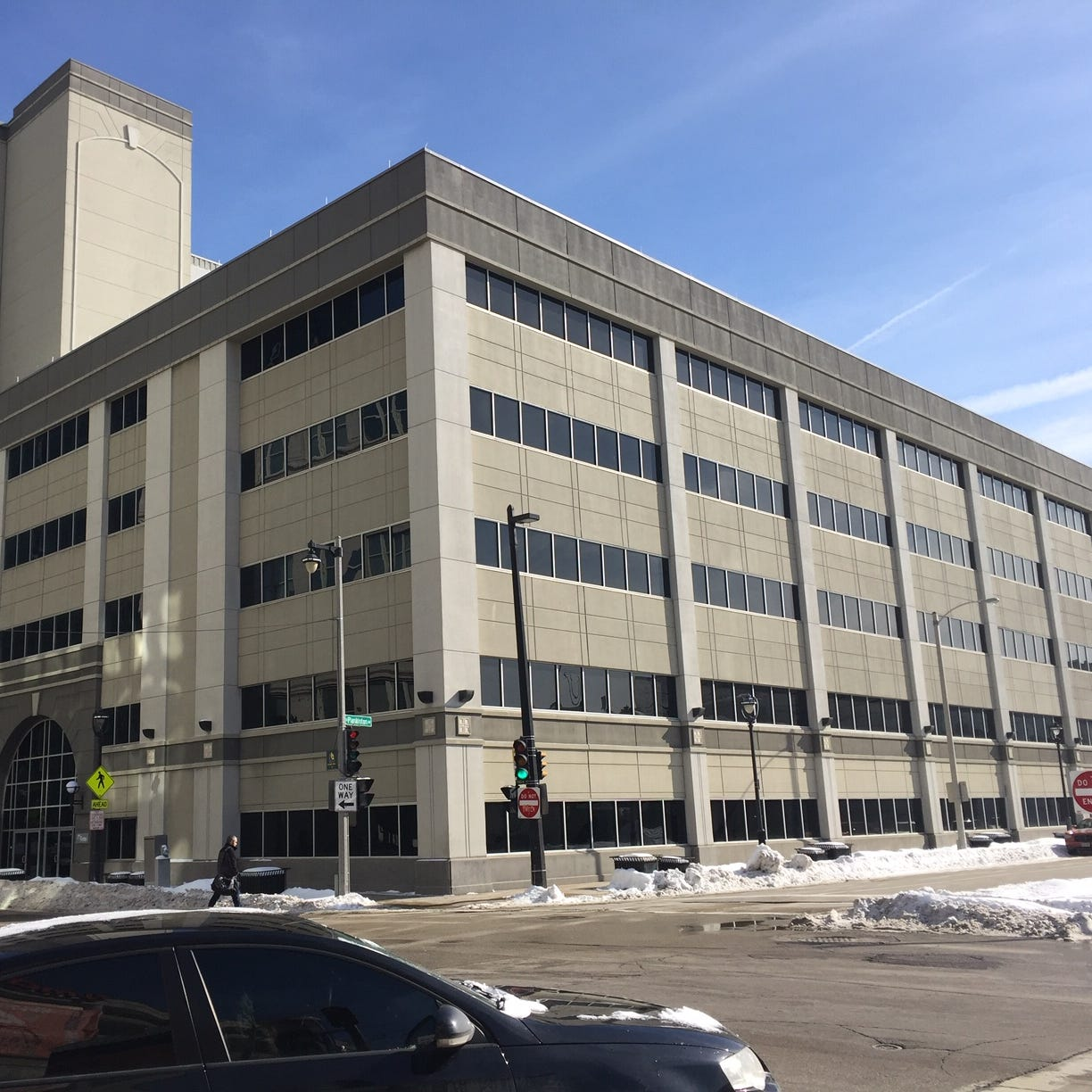 Industrial equipment maker Rexnord Corp. plans move of offices, with up to 500 jobs, to downtown Milwaukee