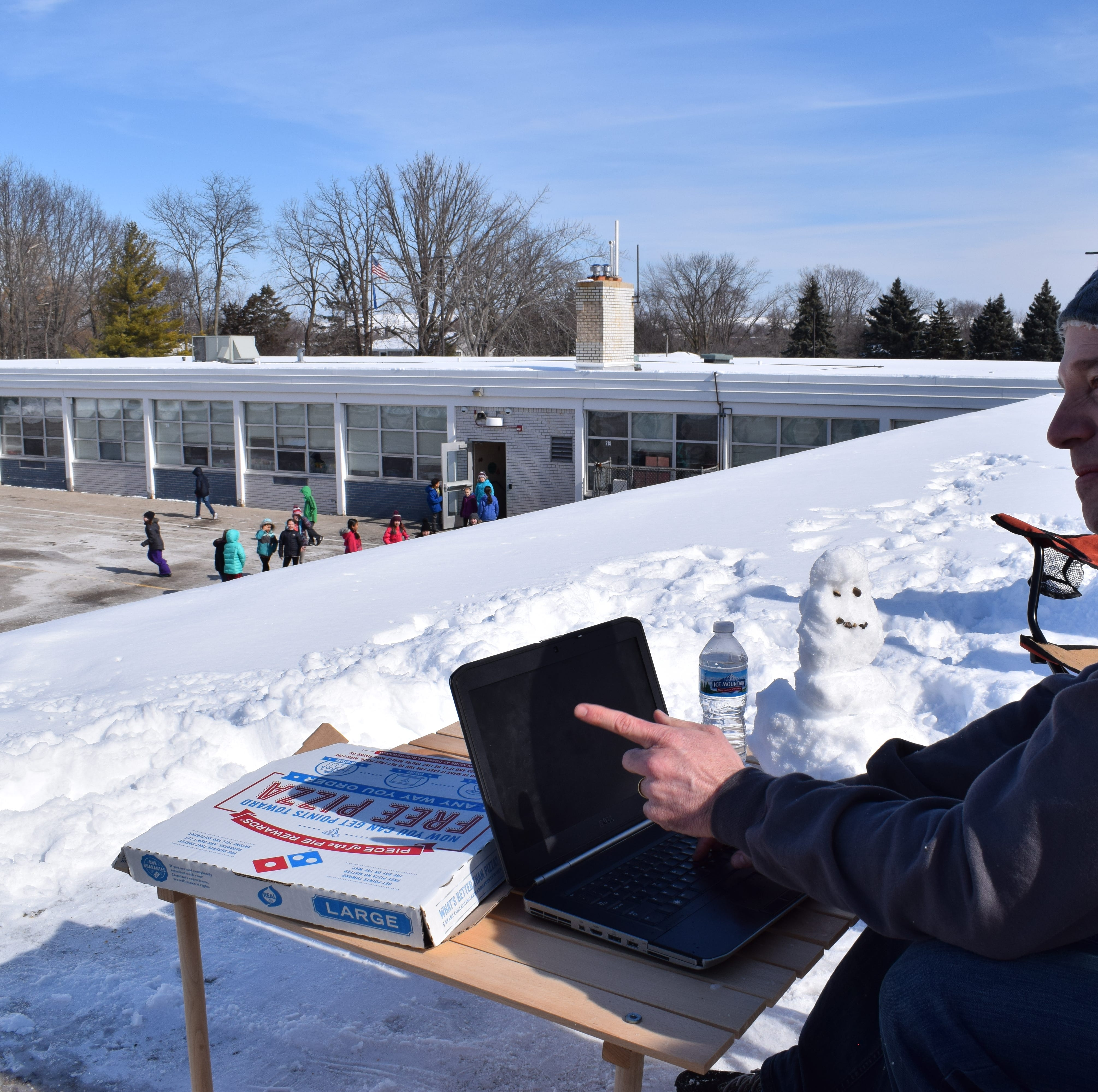 Menomonee Falls' Riverside Elementary principal spends a school day on the roof