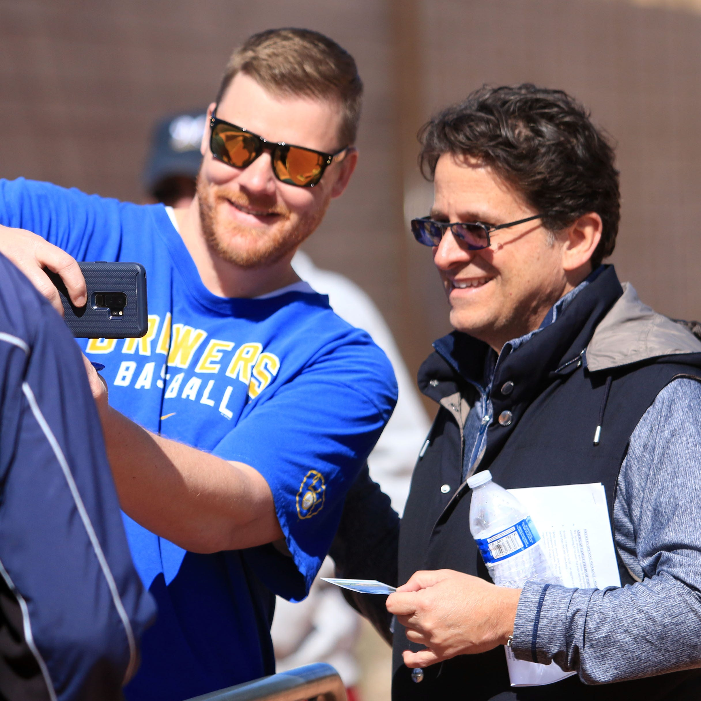 Camp report: Spring training is fully underway after Brewers' first full-squad workout