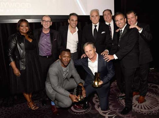 "Mahershala Ali, Viggo Mortensen and the rest of the ""Green Book"" cast. Cortese is behind Mortensen."