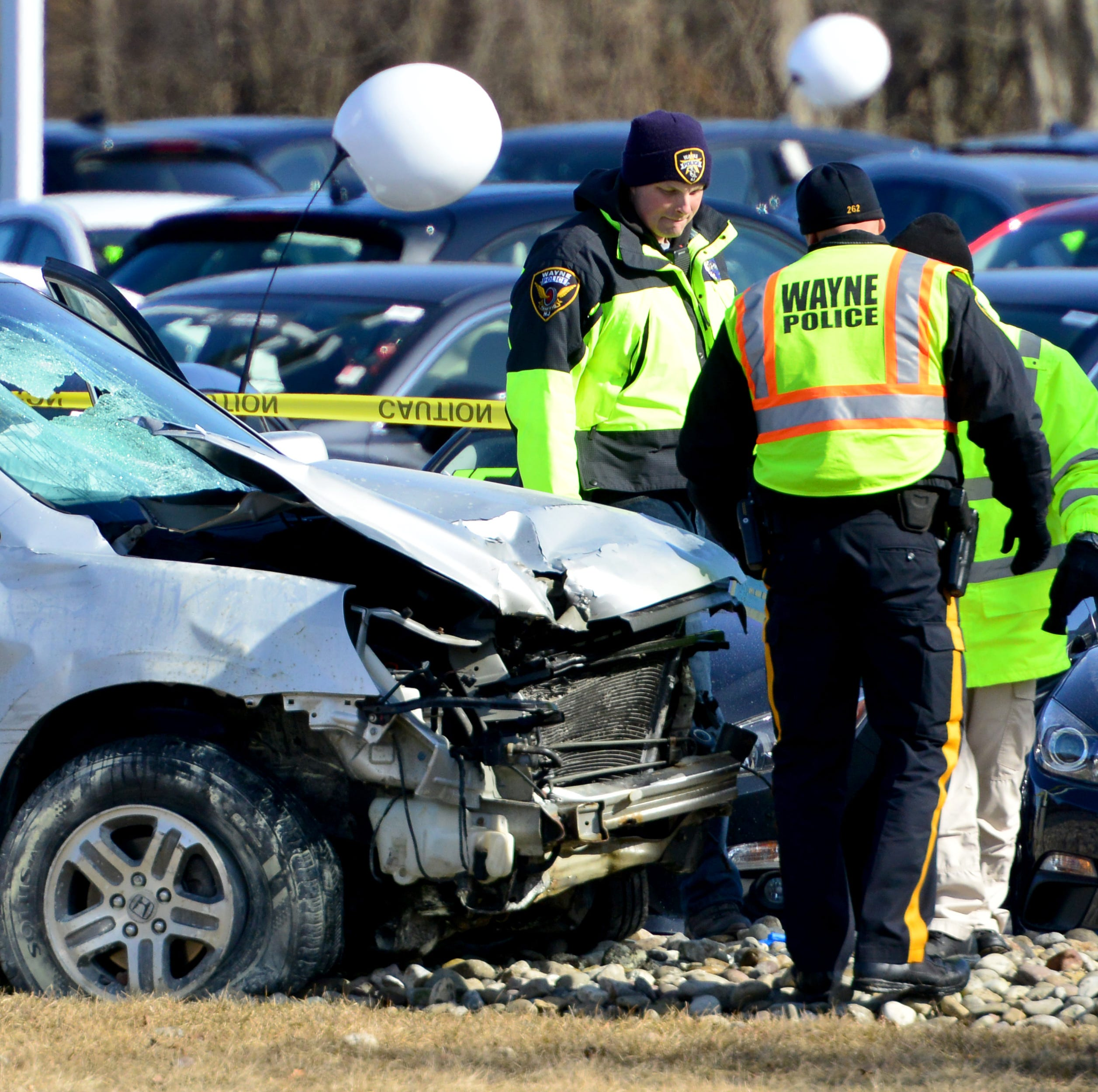 Prosecutor's office investigating multi-car crash on Route 23 in Wayne