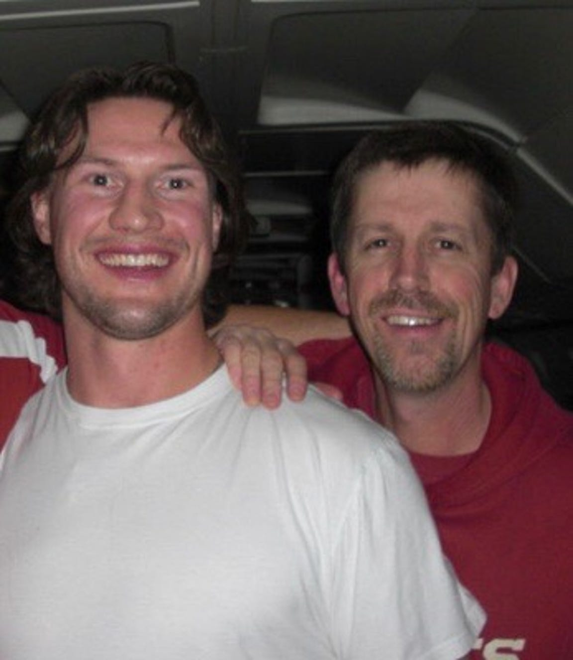 Shane Doan poses with Coyotes Head Equipment Manager Stan Wilson.