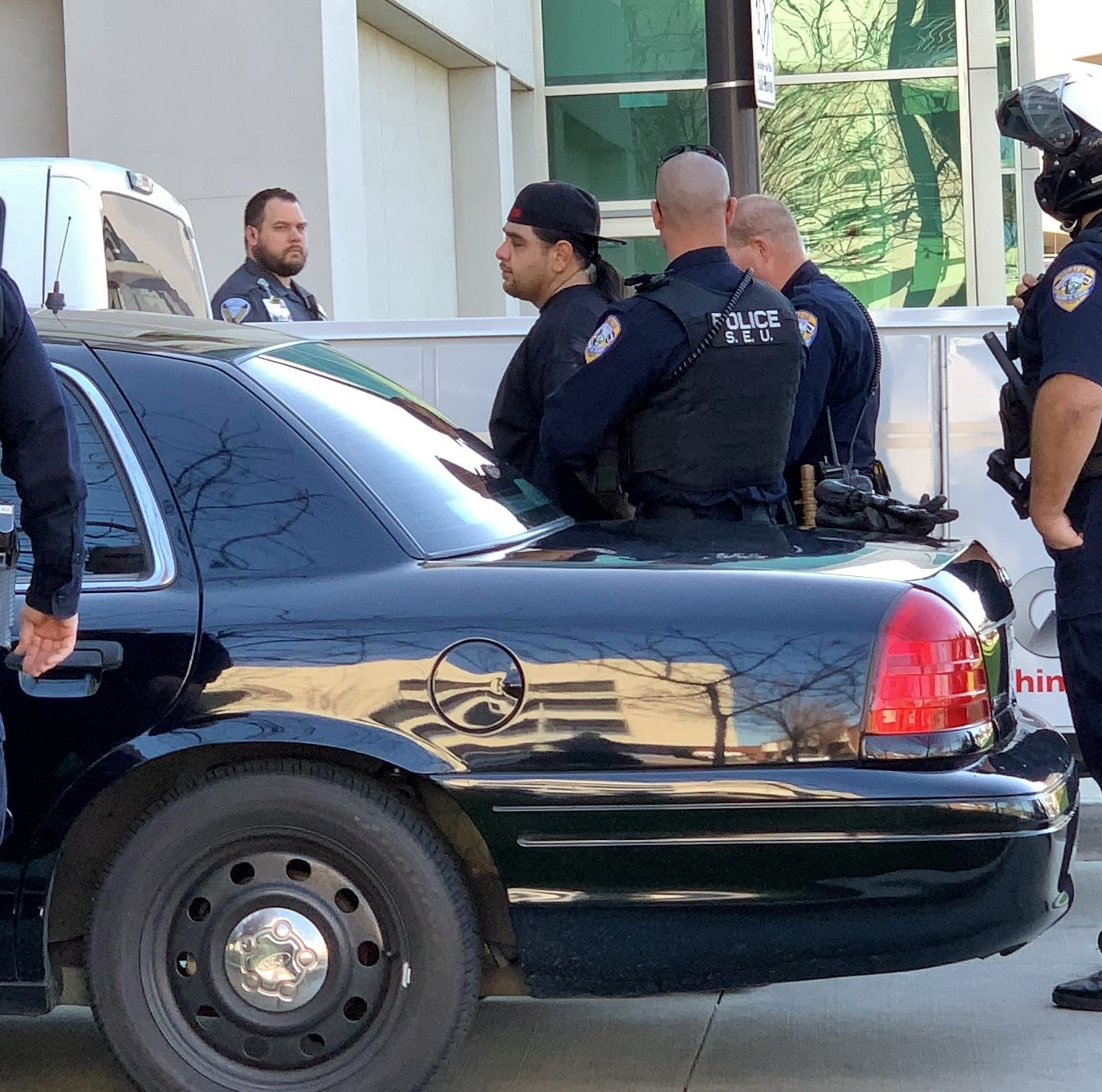 Kaweah Delta locked down after armed men run from police