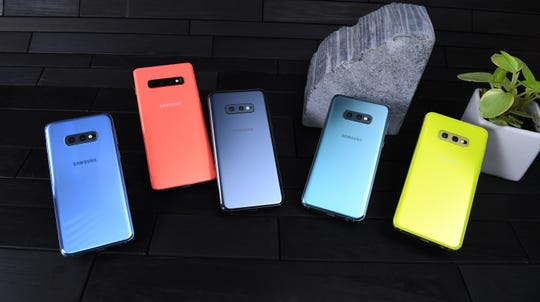 The Galaxy S10 line in various colors.