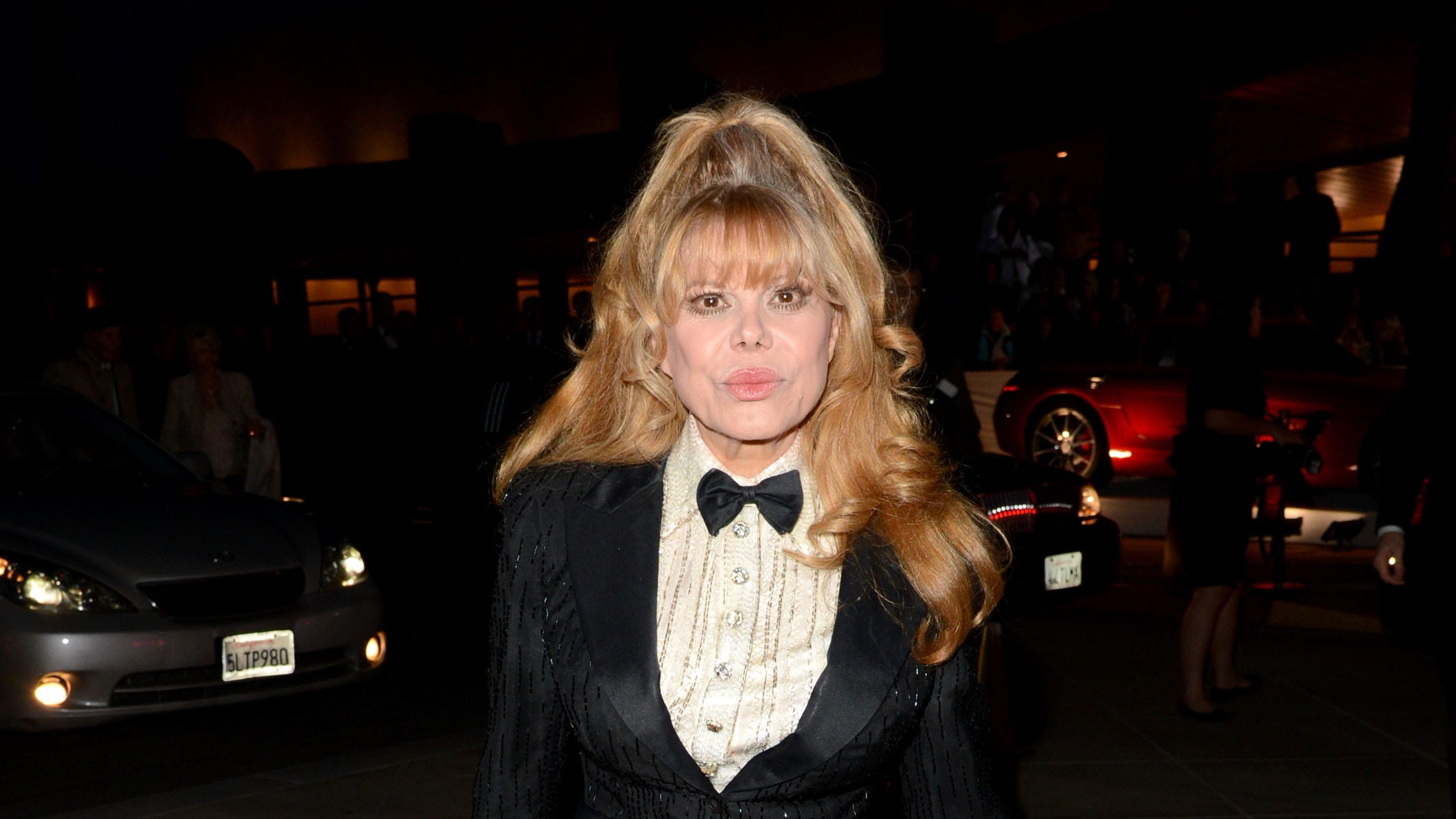 After husband's suicide, Charo urges fans to reach out to loved ones about depression - USA TODAY