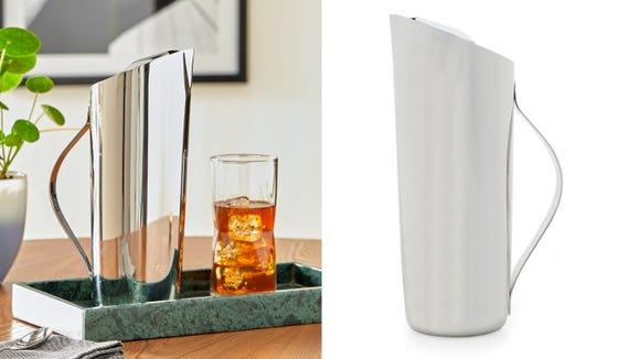 Wow your guests by serving drinks in this gorgeous mirrored pitcher.