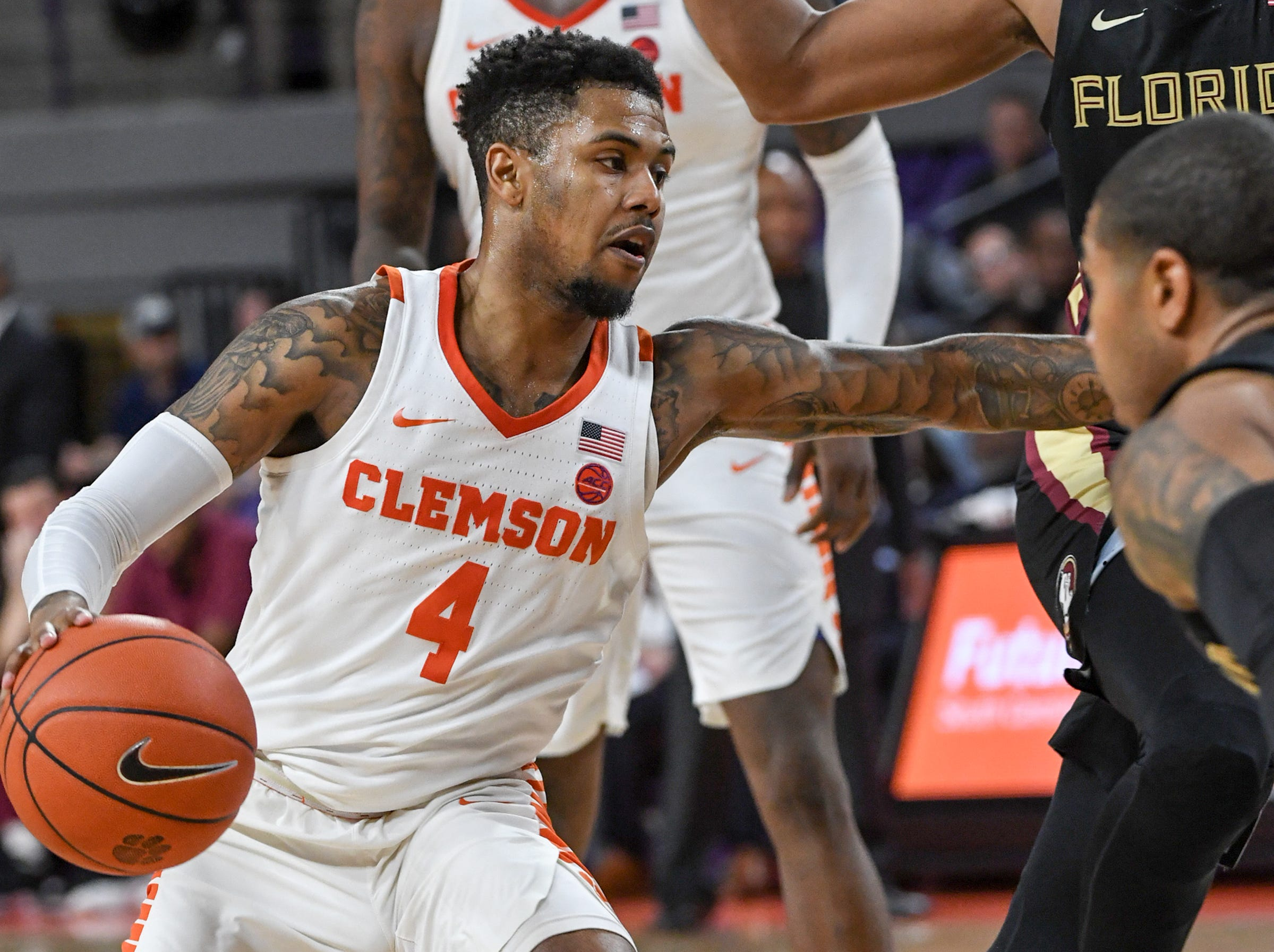 Clemson guard Shelton Mitchell (4) plays against Florida State during the second half at Littlejohn Coliseum in Clemson Tuesday, February 19, 2019.