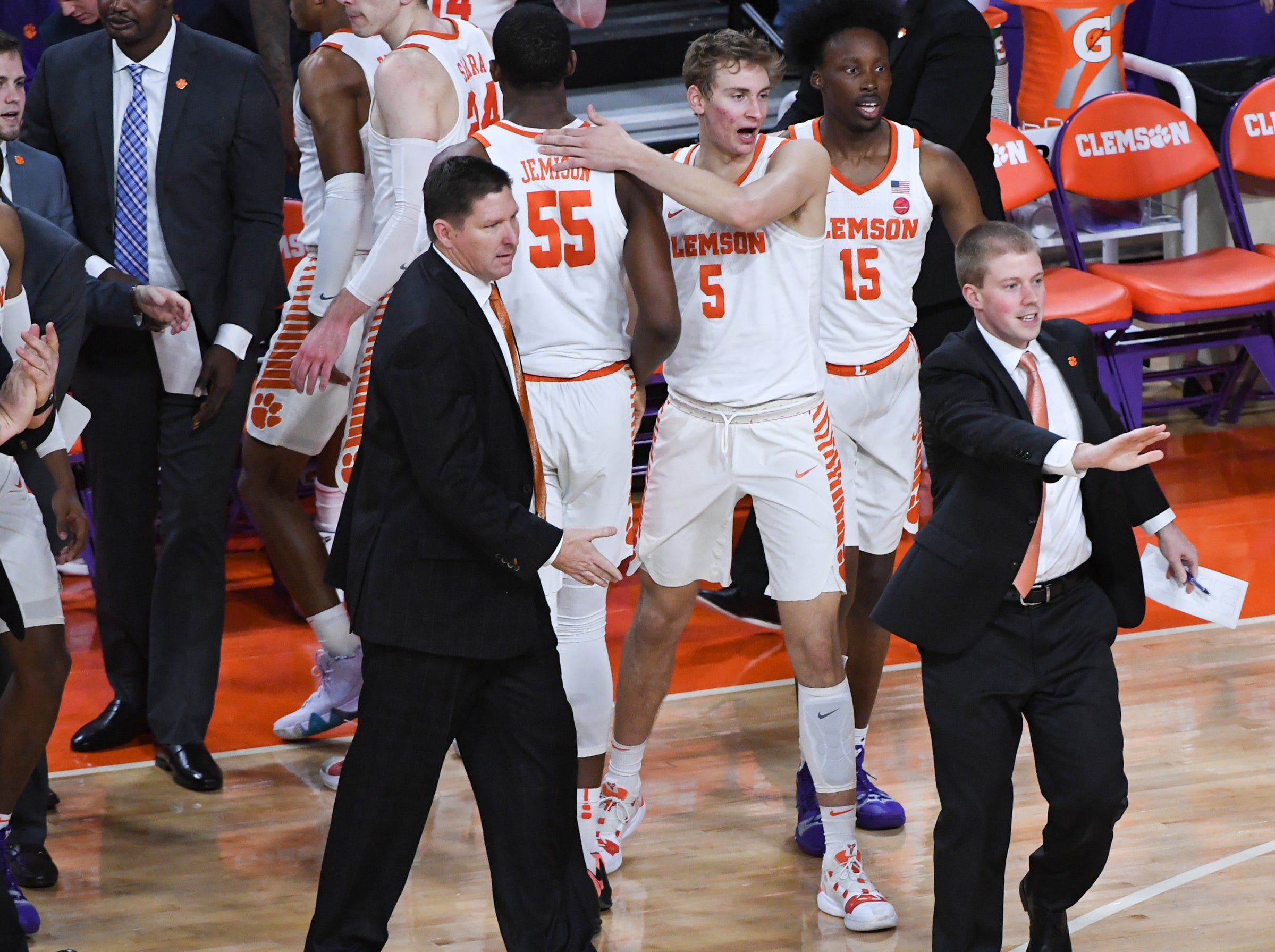 Clemson head coach Brad Brownell calls for a timeout against Florida State during the first half at Littlejohn Coliseum in Clemson Tuesday, February 19, 2019.