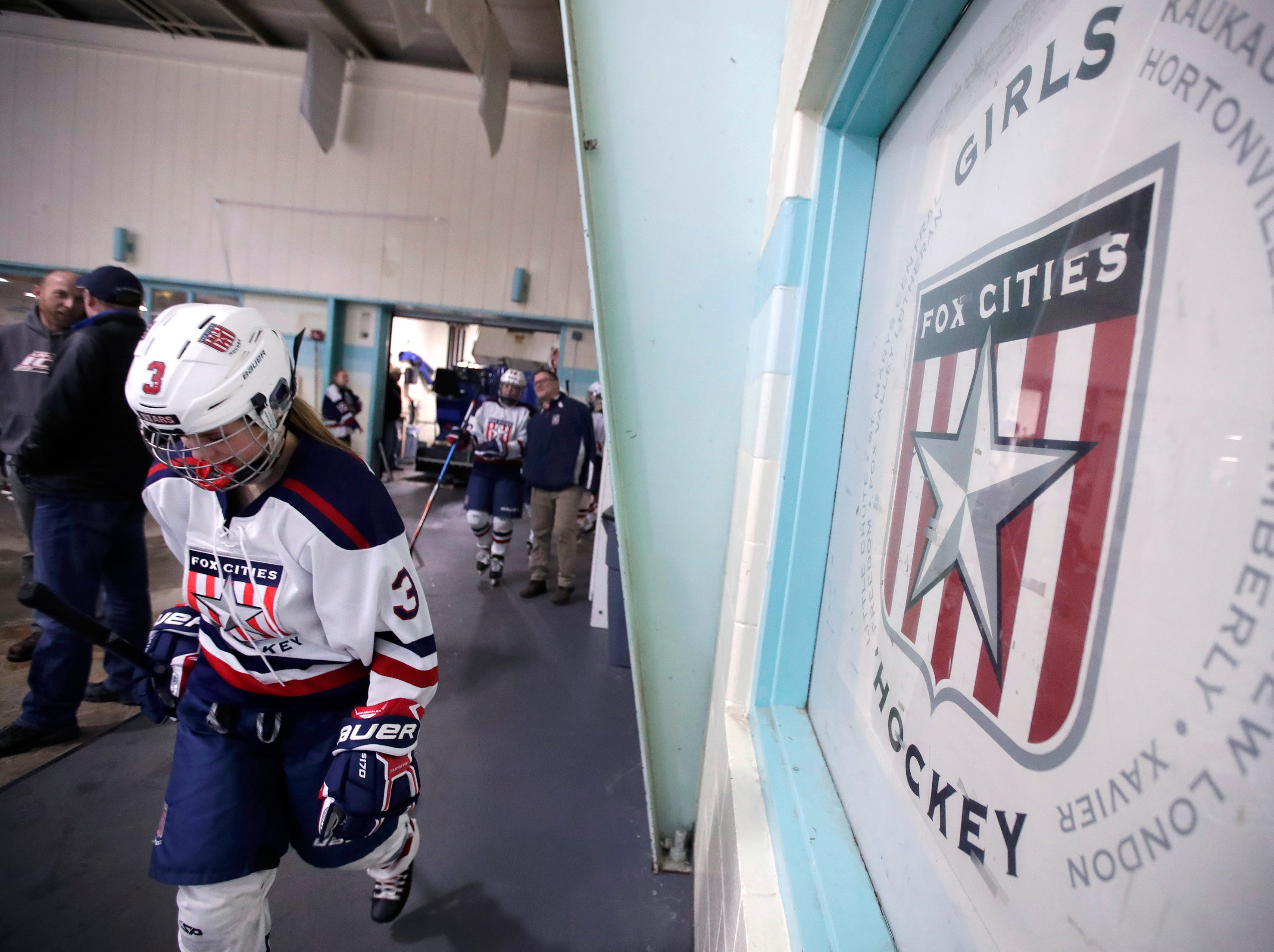 Fox Cities Stars' Shelby Hewitt walks to the ice before their  sectional semifinal against University School Co-op Tuesday, Feb. 19, 2019, at the Tri-County Ice Arena in Neenah, Wis.Danny Damiani/USA TODAY NETWORK-Wisconsin