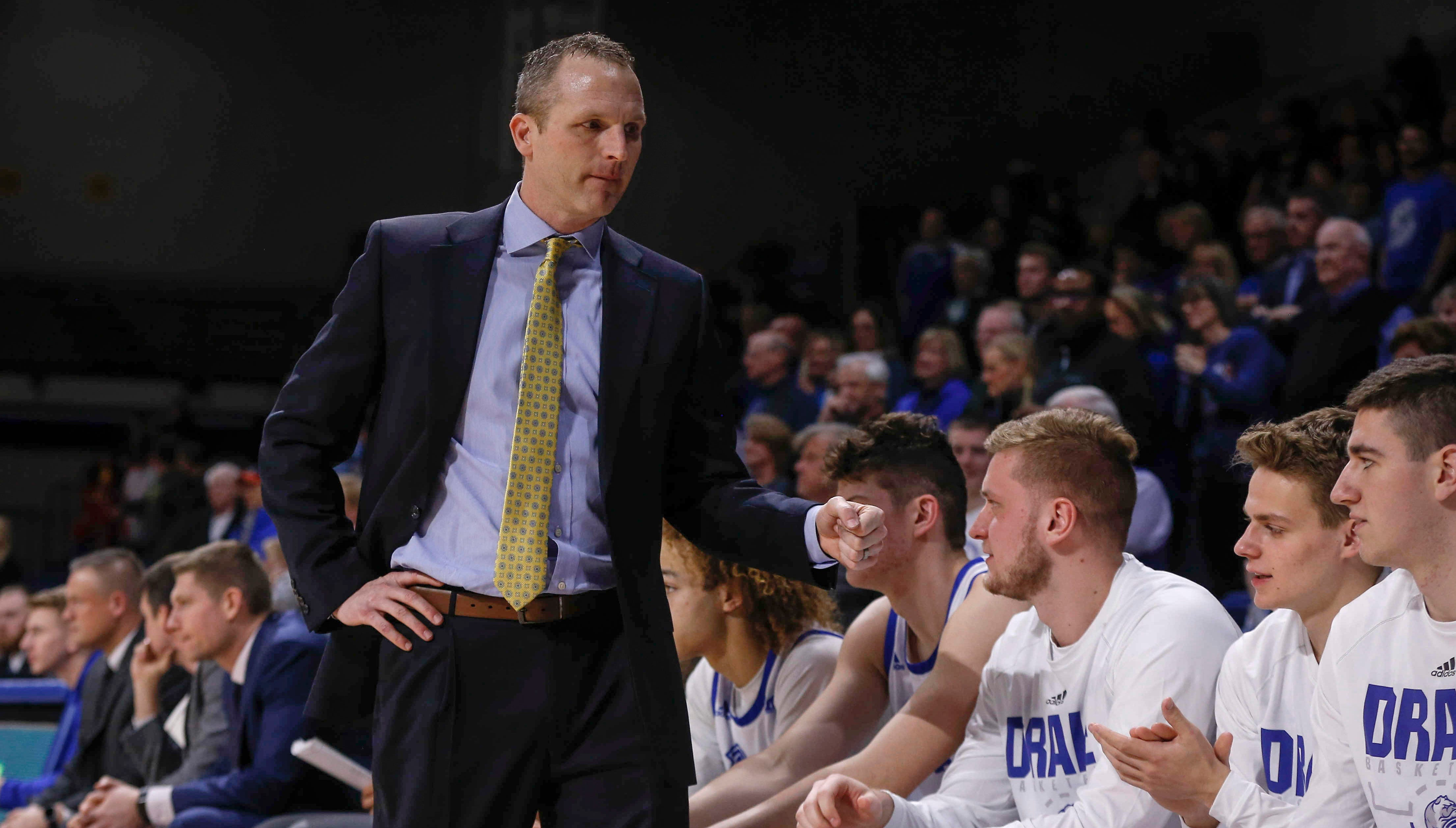 Peterson: How does Drake keep Darian DeVries from being another fly-by-night Bulldogs' coach?