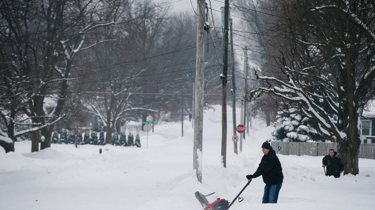 Farmers' Almanac predicts brutal winter for Iowa, but is it