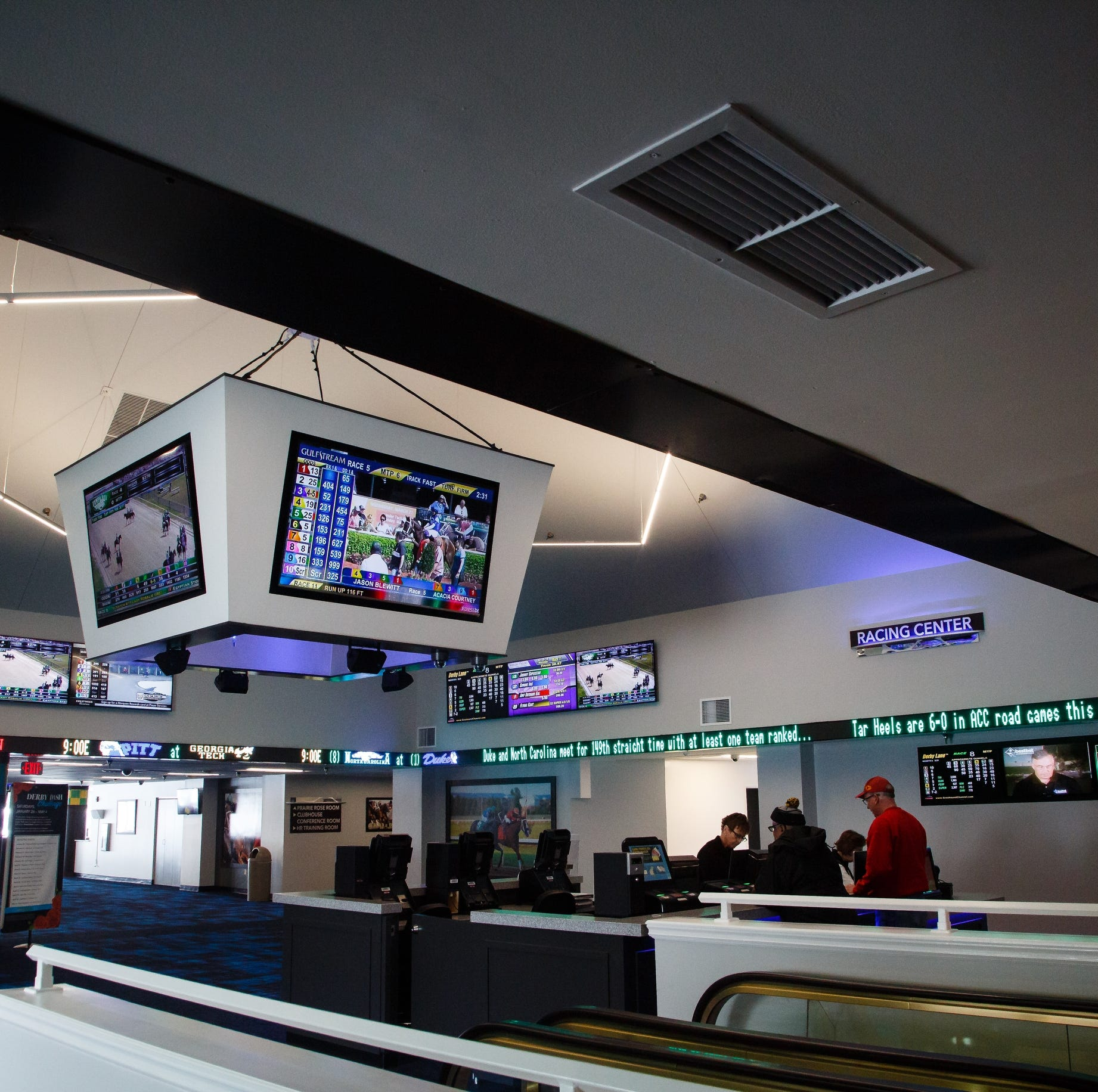Prairie Meadows bets big on Iowa sports gambling