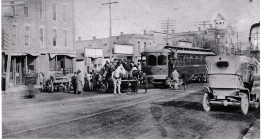 It's a 1910 traffic jam.