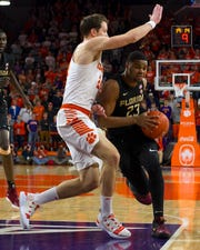 Florida State guard M.J. Walker (23) scored nine points against Clemson on Tuesday night at Littlejohn Coliseum.