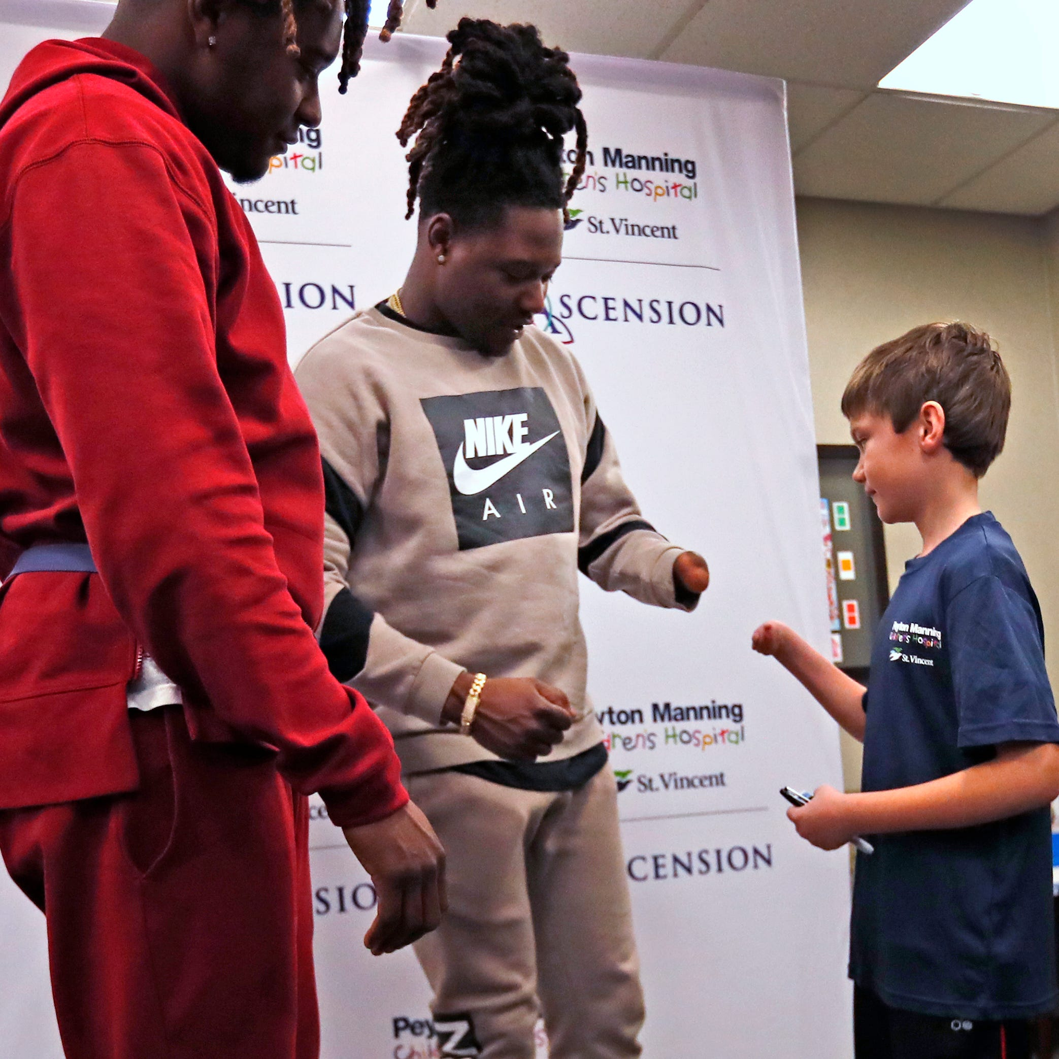 Brownsburg boy with one hand comes face to face with NFL's one-handed star Shaquem Griffin