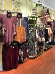 Whimsy Willows women's boutique sells apparel such as tops, blouses, kimonos and flirty dresses as well as comfy pants and leggings in sizes small to 3XL.