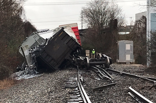 Seven train cars derailed at Sutherland at Concord. There were no leaks detected, and no injuries reported according to Knoxville Fire Dept.