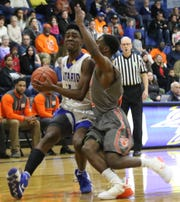 Onatrio's Shaquan Coburn led the Warriors with 14 points in their loss to Mansfield Senior on Tuesday night.