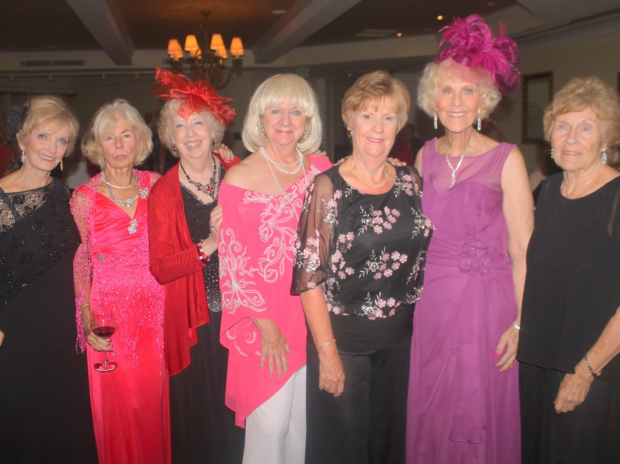 Tablemates Helen McCullough, Susanne Grossman, Cathy Mendygraw, Cindy Crane, Linda Lollander, Susie Walsh and MaryAnn Cassidy.