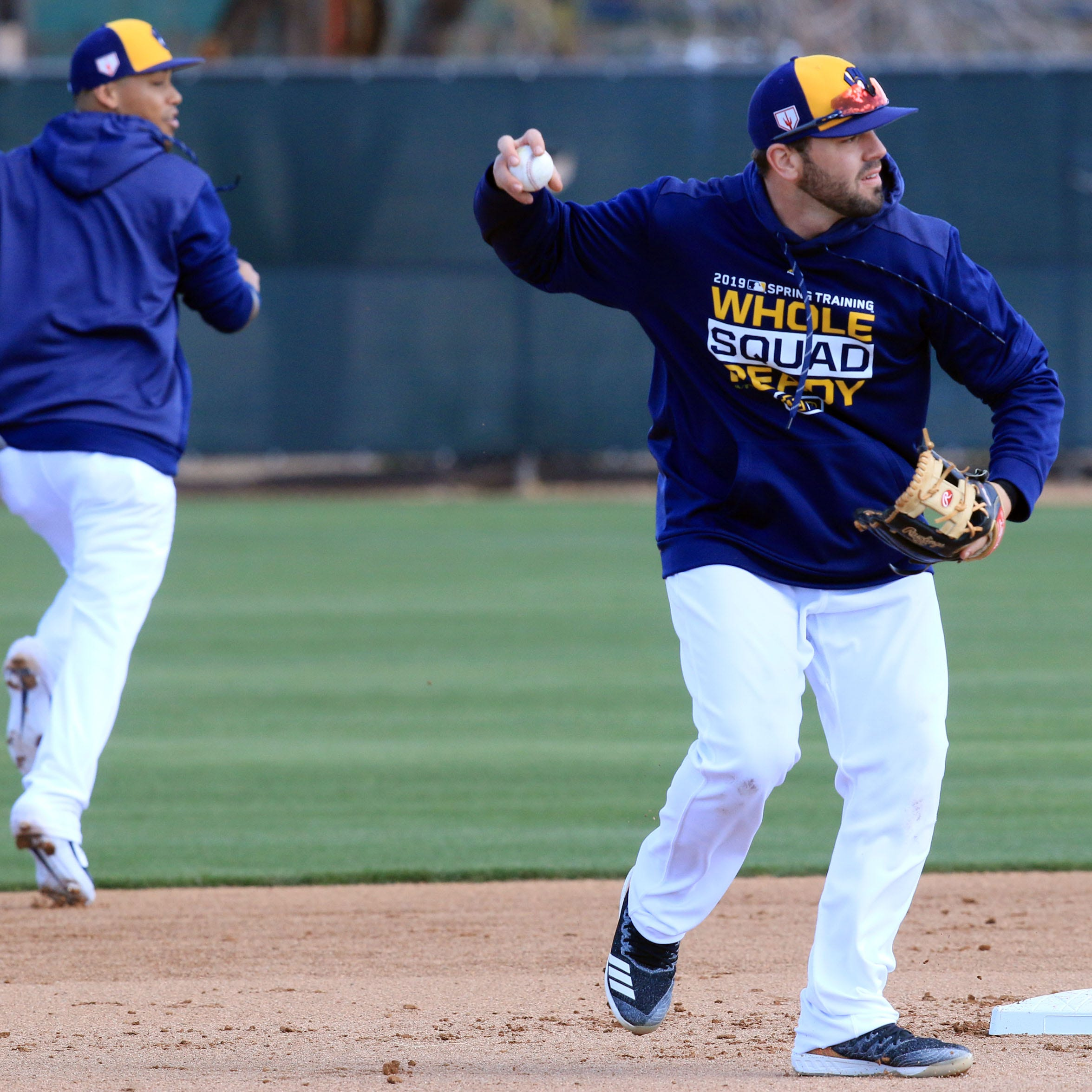 Mike Moustakas returns to the Brewers to take care of some unfinished business
