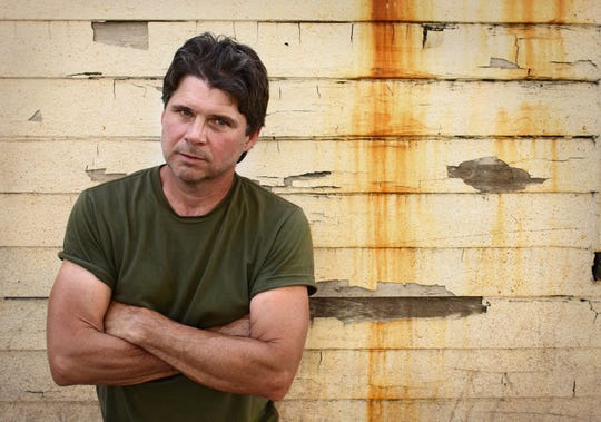 Chris Knight performs Friday at Carl's Country in Prattville.