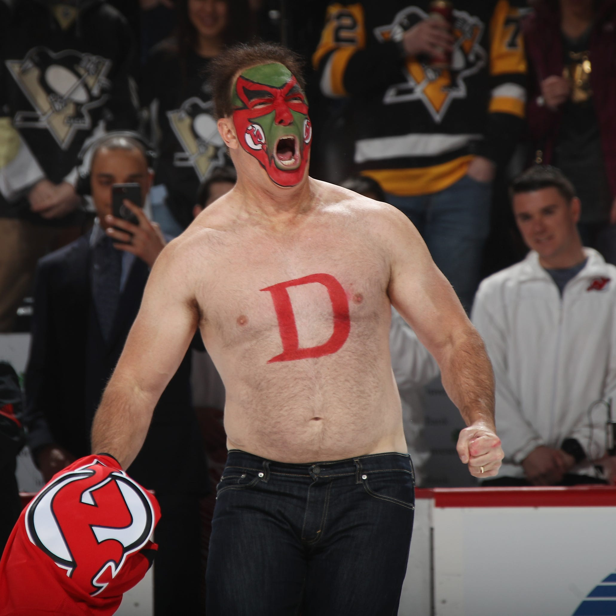 'Seinfeld' actor Patrick Warburton reprises role as Devils fan David Puddy for good cause