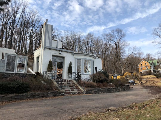 14 Lloyd Road, an 1865 mansion on 3.4 acres, sold last year for $3.9 milion; 172 Undercliff, in background, a center-hall colonial on 2.4 acres, sold for $3.4 million. February 2019