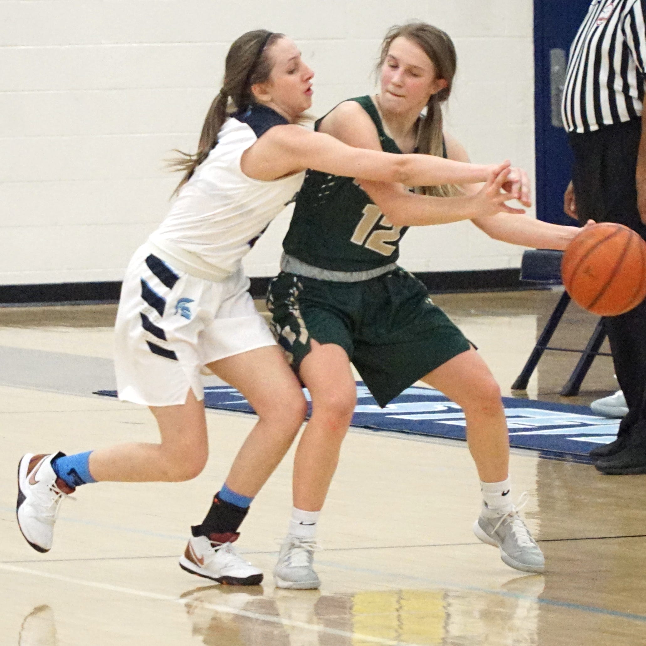 Second-half surge pushes Howell girls basketball past Livonia Stevenson