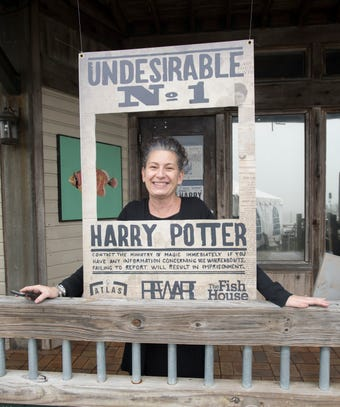 Pensacola's Fish House goes Hogwarts (Star Wars and Star Trek) for Pensacon