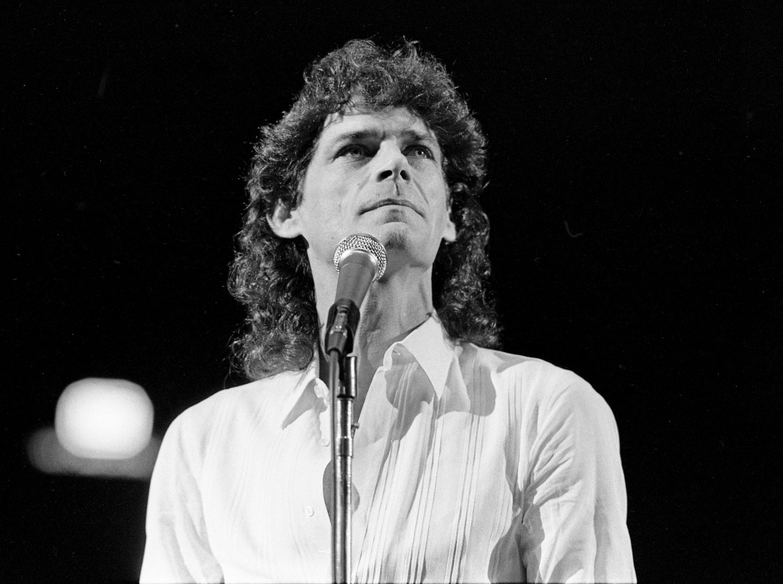 B.J. Thomas performs on Nov. 5, 1983, in Nashville.