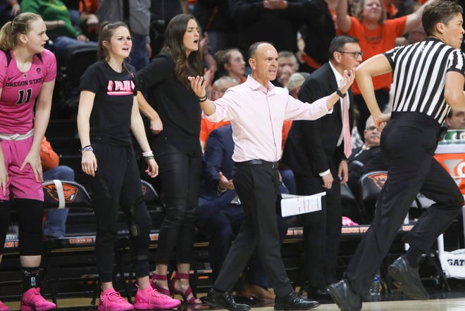 Oregon State head coach Scott Rueck, center, reacts to a call during the second half of an NCAA college basketball game against Oregon in Corvallis, Ore., Monday, Feb. 18, 2019. Oregon State won 67-62.