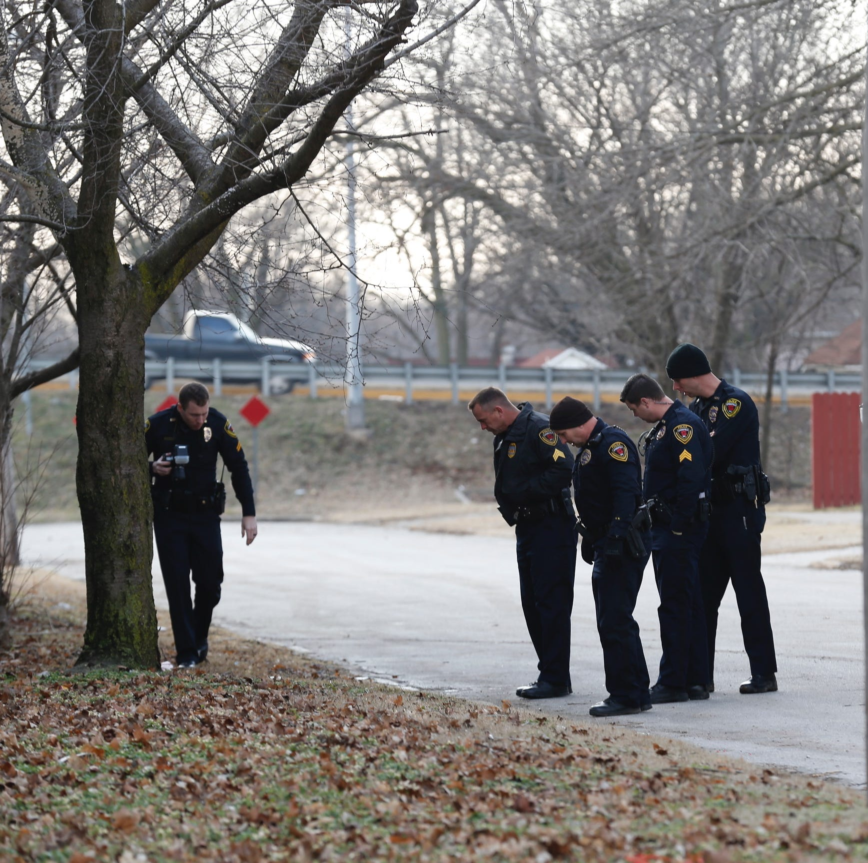 Police investigate central Springfield neighborhood shooting