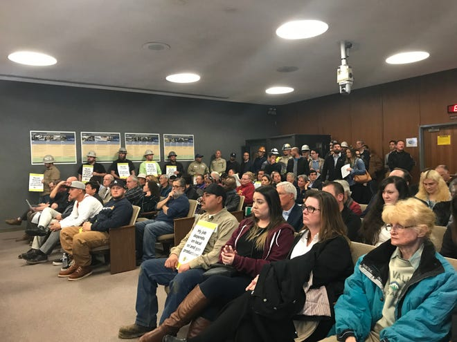 The Oxnard City Council meeting had a full house on Tuesday when it met on resolutions concerning offshore drilling and gun shows.