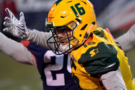 Arizona Hotshots wide receiver Richard Mullaney, a Thousand Oaks High graduate, runs a route against the Memphis Express in an AAF game last Saturday.