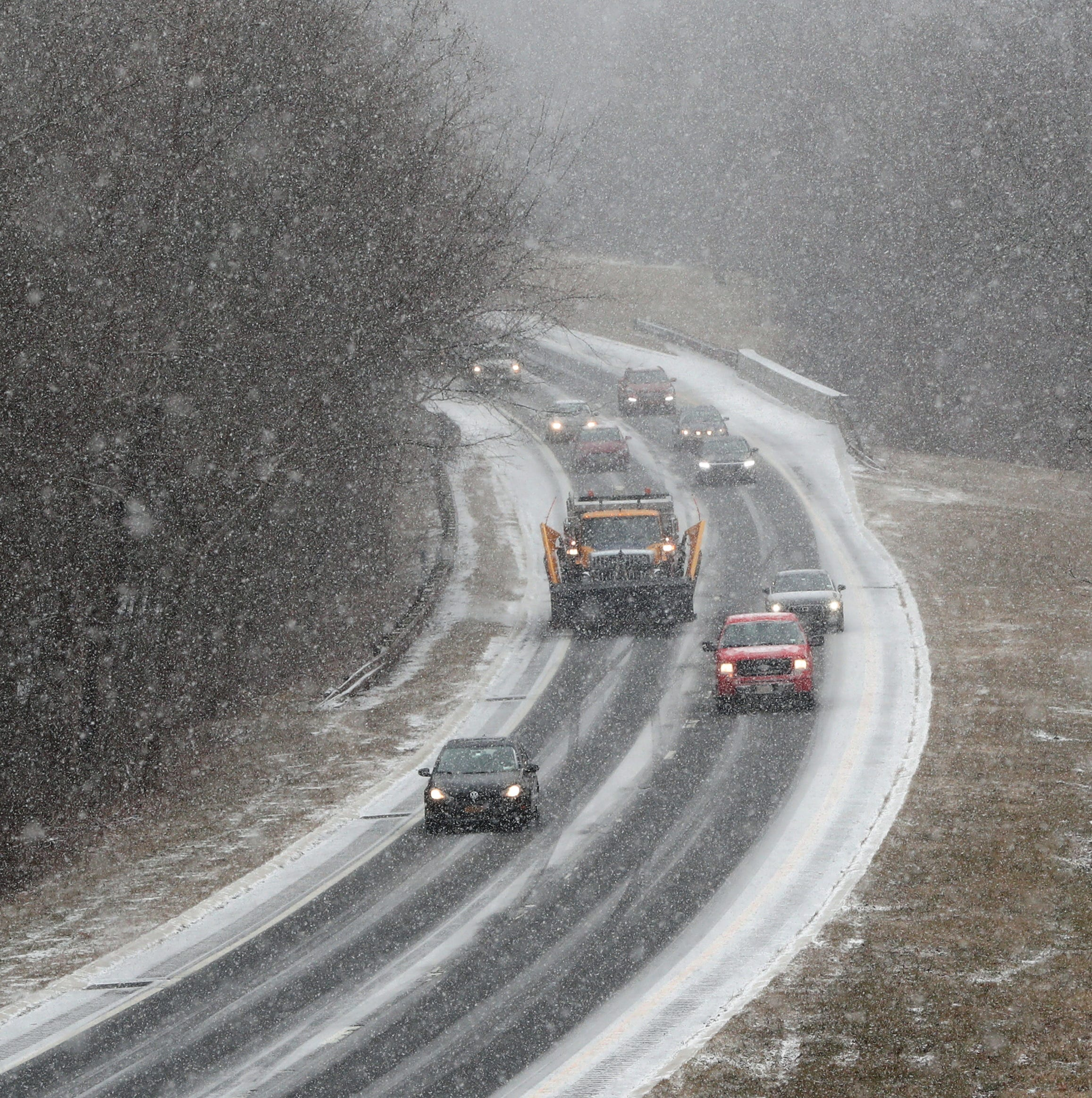 Weather: Snow falling. Could snowstorm recreate November travel nightmare?