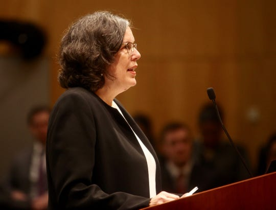 Deputy Attorney General Elizabeth McFarlan argues in front of the Delaware Supreme Court at Delaware Law School.