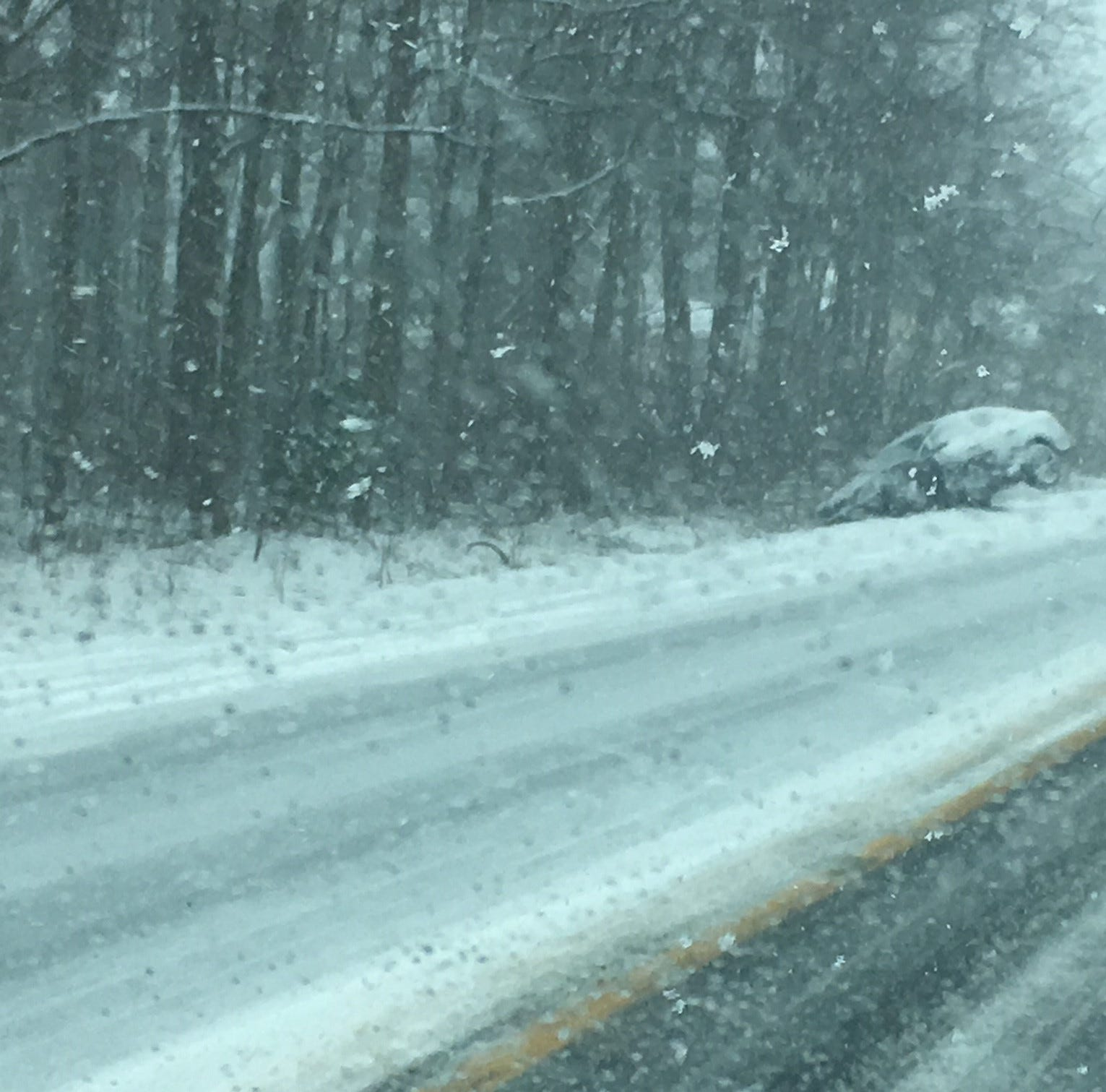 Speed limit on I-495 reduced to 45 mph as several crashes are reported