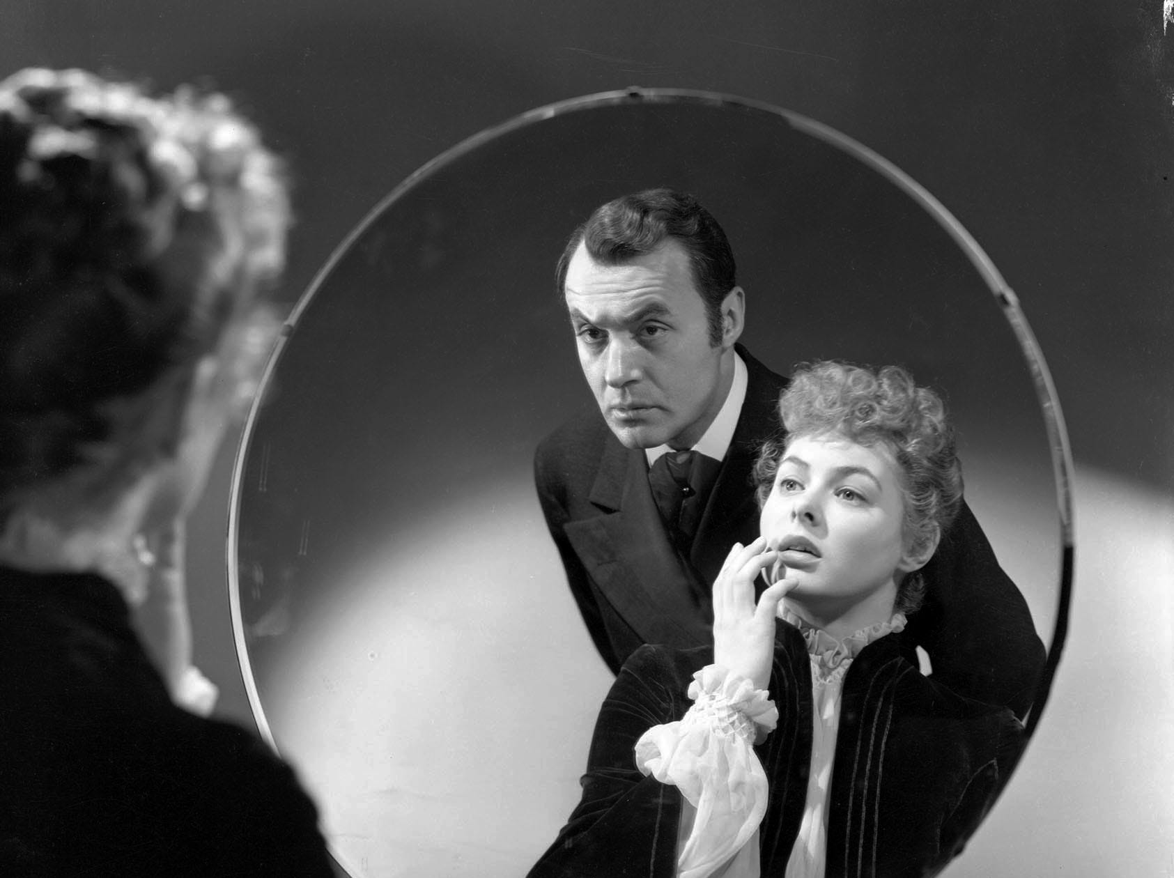 Charles Boyer and Ingrid Bergman in a scene from the motion picture 'Gaslight.'