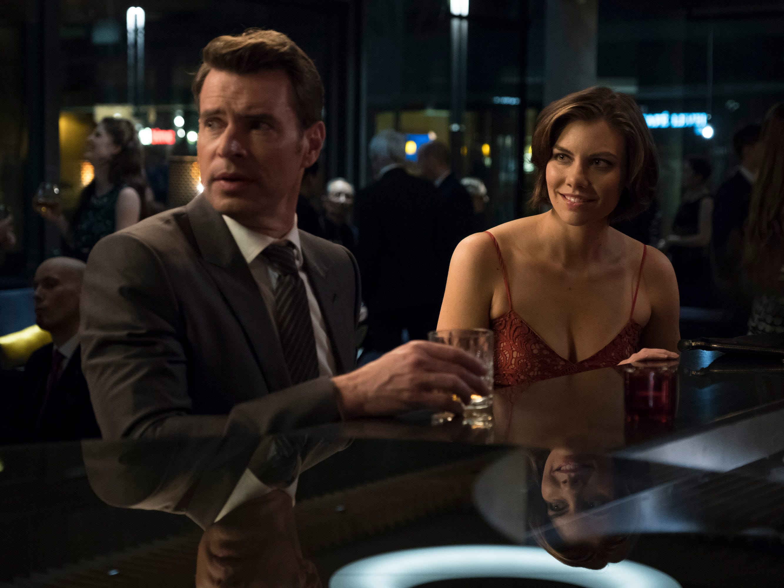 Review: ABC's 'Whiskey Cavalier' is a cutesy, over-the-top clone of 'Castle' and 'Bones'