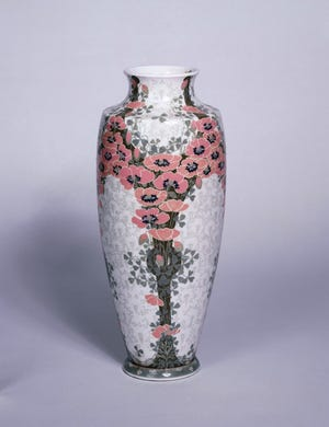 This ceramic and porcelain vase decorated with poppies was manufactured in 1903 at the Sèvres Porcelain Manufactory. It is part of the collection of the Petit Palais, Paris.