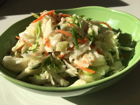 Kohlrobi and Cabbage Coleslaw