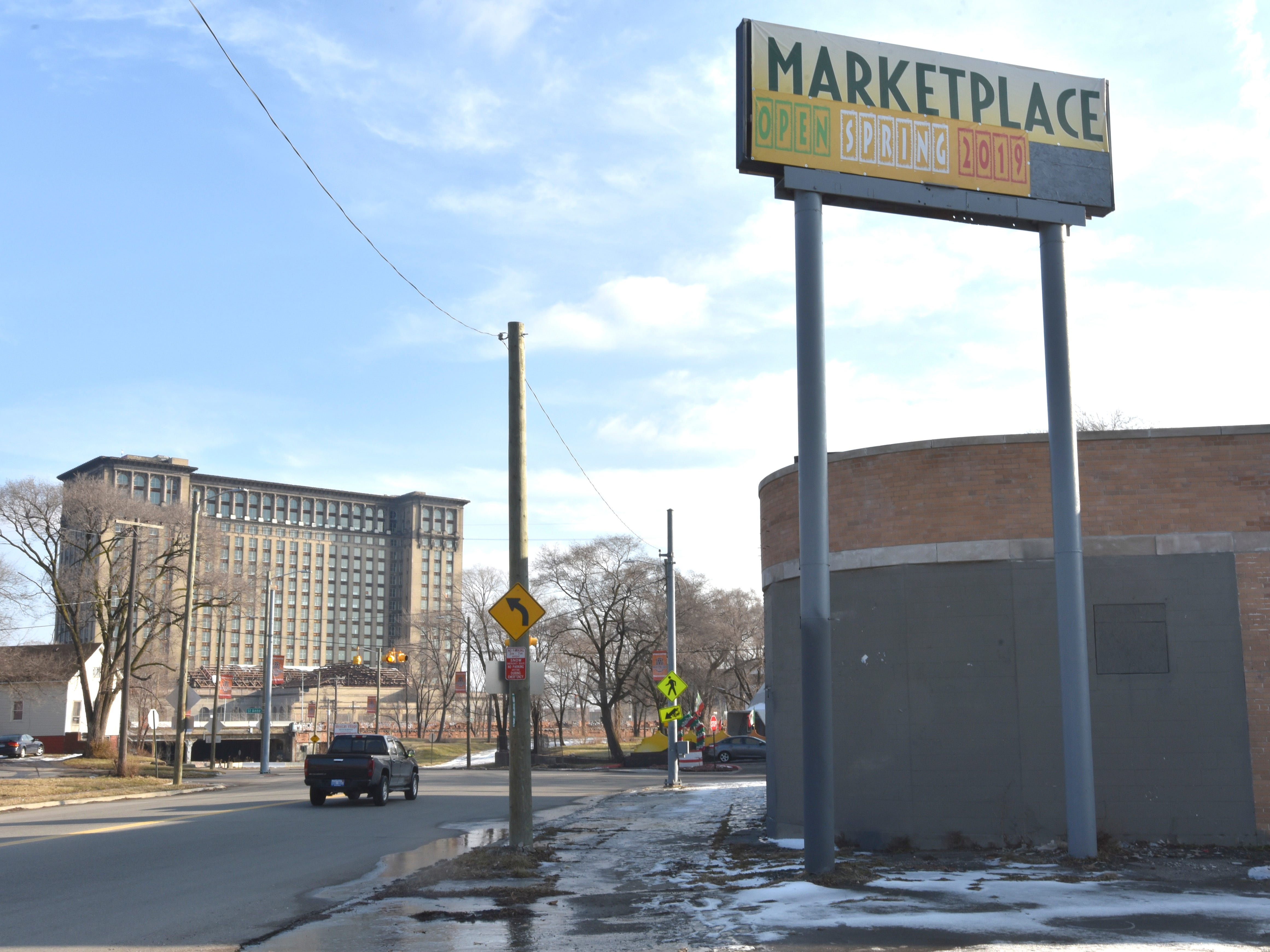 This is the former Service Tire center on W. Vernor at St. Anne in the shadow of the old Michigan Central Depot.